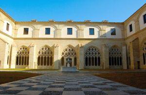Fachada del claustro de Santo Domingo