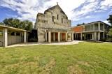Iglesia de la Abadía de Nuestra Señora de Dallas (The Abbey Church of Our Lady ofDallas)