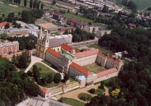 Vista aérea de la Abadía de Zirc