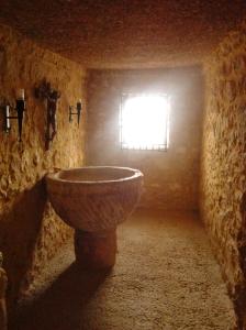 Pila bautismal del Santuario de la Virgen de Tíscar, Quesada. Jaén