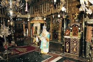 Fiesta de la teofanía en el interior del monasterio Vatopedi (Monte Athos).