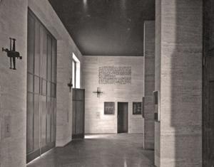 Atrio de la iglesia en el momento de su inauguración.