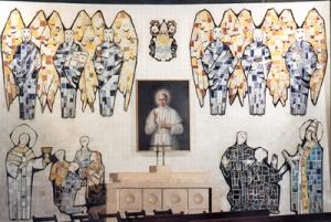 Capilla de san Pío X en la iglesia de Santa Rita de Madrid. Cerámica de Arcadio Blasco y óleo de Juan Barba.