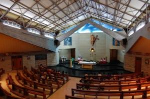 Interior de la Catedral de María Madre de la Iglesia.