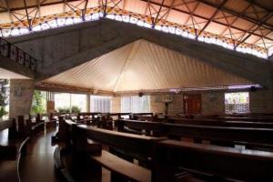 Interior de la Catedral María Madre de la Iglesia.