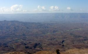 Paisaje de las montañas y colina de Lalibela.