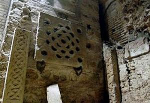 Desde la cripta bajo el ábside de San Martino ai Monti, el Titulus Equitii.