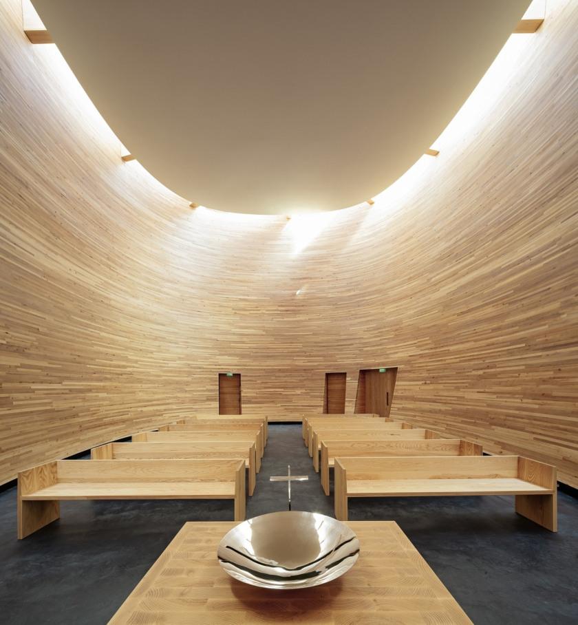 Capilla del Silencio en Helsinki (Capilla Kamppi)   Arquitectura y ...