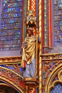 Ejemplo de escultura de Sainte-Chapelle.