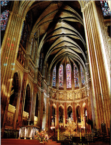 Nave central de la catedral de Chartres.