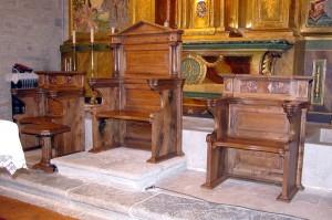 Sede realizada en madera.