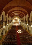 Interior nave central de basílica de Santo Tomás