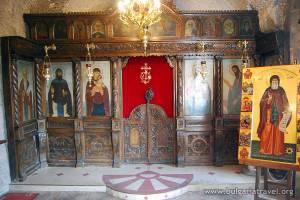 Iconostasio tallado del monasterio Sveti Dimitri Basarbovski