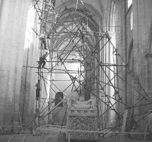 Obras de restauración en el crucero de la iglesia