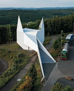 Exterior de la iglesia de la autopista
