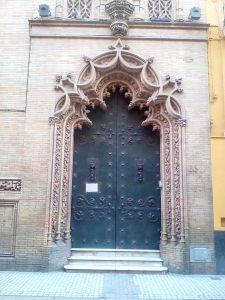 Portada capilla de los Luises