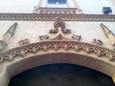 Detalle de fachada capilla de los Luises