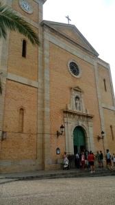Fachada de entrada iglesia de Nuestra Señora del Consuelo en altea