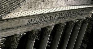 Inscripción fachada principal Panteon Roma