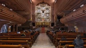 Interior del templo del Santuario de Torreciudad.