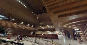 Interior del templo santuario Torreciudad